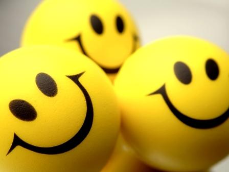 Khutbah Jumat: Bahagia Karena Mereka Bahagia