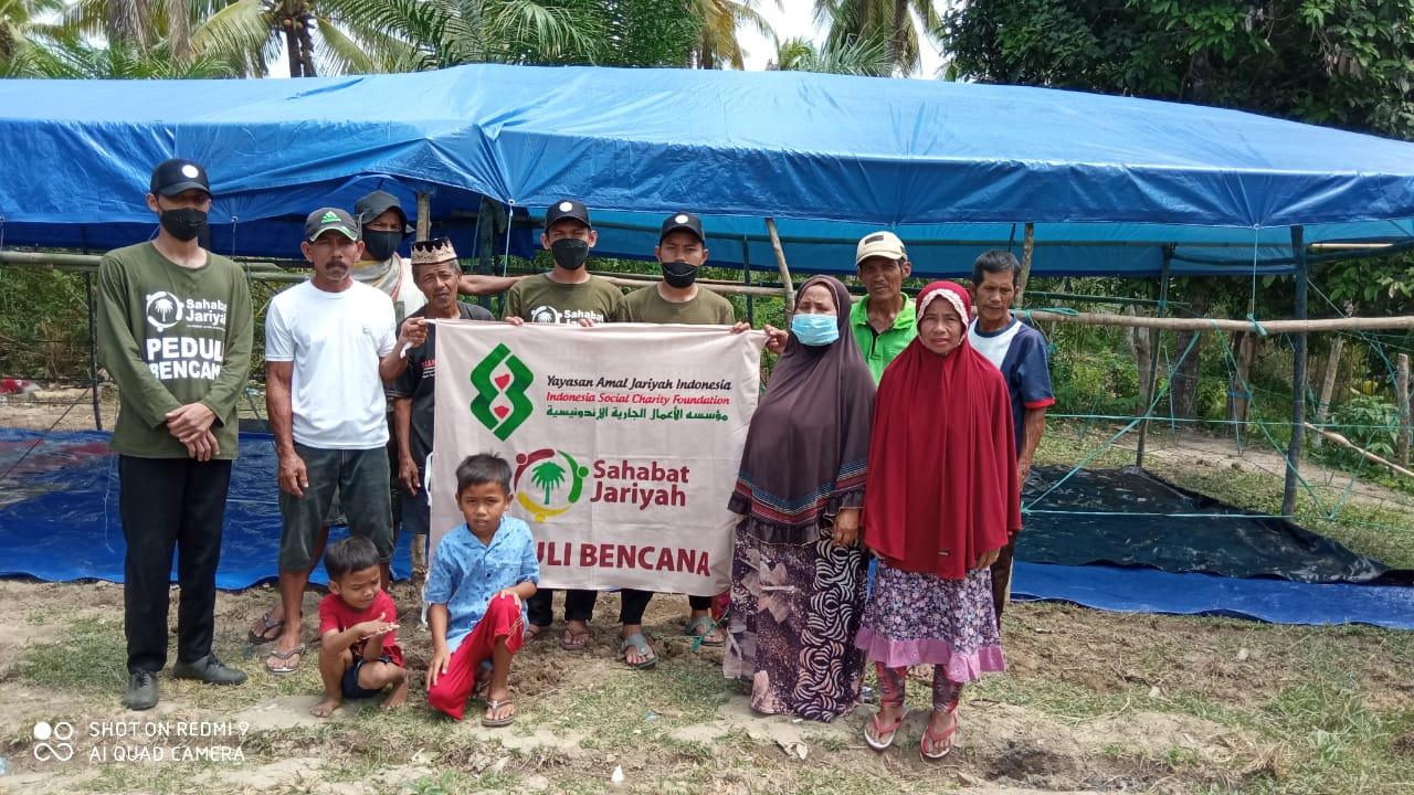 Sahabat Jariyah YAJI Mendirikan Musholla Darurat Untuk Korban Gempa Sulbar